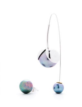 ASYMMETRICAL TRIO PEARLS EARRINGS