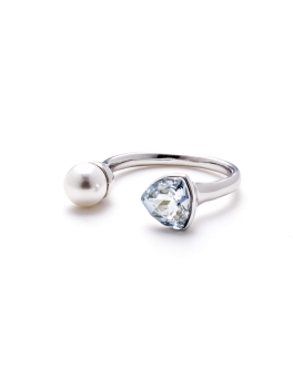 SWAROVSKI CRYSTAL AND PEARL RING