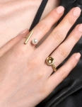 PEARL AND LINE GOLD RING