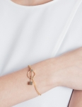 HOOP AND LATCH GOLD BRACELET